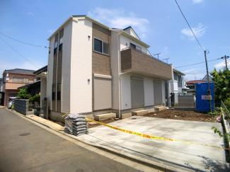 新京成線「高根公団」「高根木戸」駅徒歩12分の全1棟の新築一戸建てです。