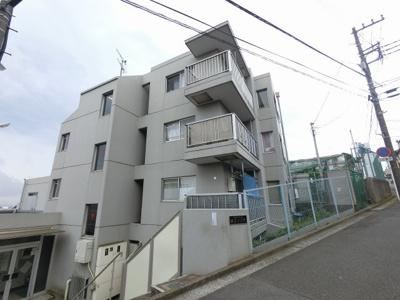 JR横浜線「大口」駅徒歩12分、東急東横線「妙蓮寺」駅徒歩13分と好立地。