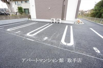 【駐車場】コリーナ