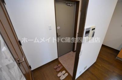 【玄関】リトルハウス中央