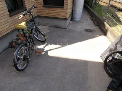 フロンティア町屋の駐輪スペース☆