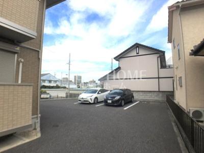 【駐車場】ローズ・ヴィレッジ