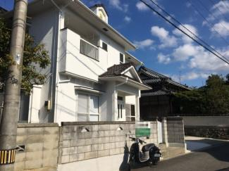 【前面道路含む現地写真】松山市 吉藤 中古住宅 30.37坪