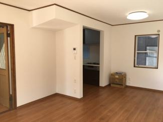 【居間・リビング】松山市 吉藤 中古住宅 30.37坪