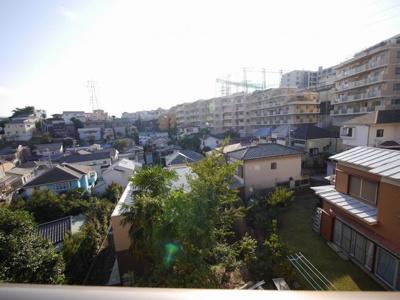 3階バルコニーからの眺望・南西向き・陽当たり良好です。