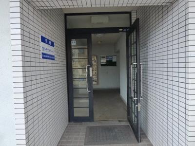 【エントランス】ビスタ千里丘3