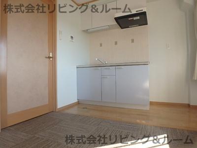 【居間・リビング】ファーストステージ成田
