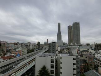 前面に高い建物がなく、高層階なので眺望も抜群に良いです!