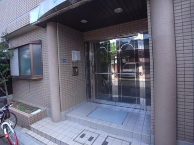 【エントランス】レインボー大東