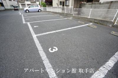 【駐車場】レオパレスベルエポック