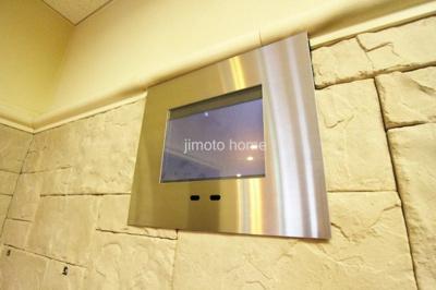 エレベーター内モニター