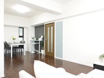 リビングがびっくりする程広い訳ではないのですが、間取と家具の配置次第で、余裕のあるリビングに仕上がりそうです!