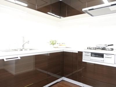 キッチン等の設備も時代の移り変わりで、機能性が変わります。建築時よりも使いやすく、機能性を上げ、良い立地条件は変えないのがリフォームの良いところです!