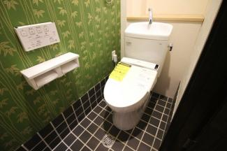 トイレは1階と3階にあるので助かります。もちろん、ウォシュレット付きでいつも清潔に保てます。