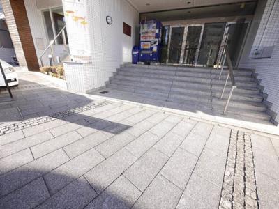 【エントランス】リブステージ横浜~仲介手数料無料キャンペーン~