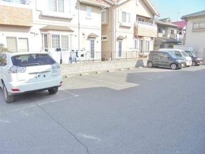 【駐車場】メゾンド フルール B棟