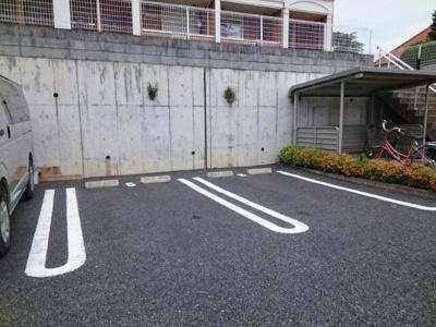 【駐車場】スカイビュー・テラスB