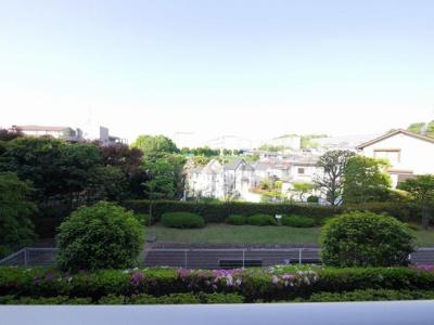 バルコニーからの眺望(2階部分)南西向き・陽当たり良好です。