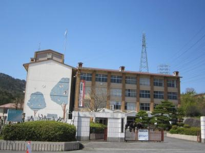 南郷中学校