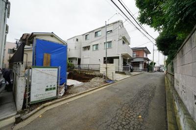 相鉄線「星川」駅より徒歩圏内の便利な立地です。