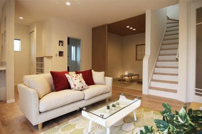 和室が隣接しているリビングも人気です♪きっと家族の癒しの空間になりますね♪当社施工例です!