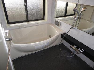 【浴室】リーガルタワー大阪