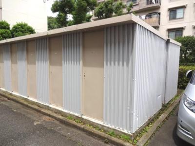 西武郊外マンションR-101 横須賀市湘南鷹取5丁目 2畳分の専用倉庫付き