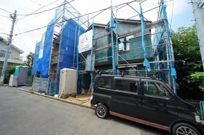 JR横須賀線「保土ヶ谷」駅徒歩圏内、閑静な住宅街に立地。