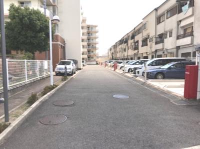 ■敷地内の駐車場です♪♪