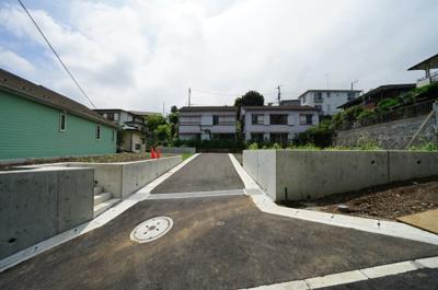 近隣に公園や医療施設等充実した住環境良好なエリア。