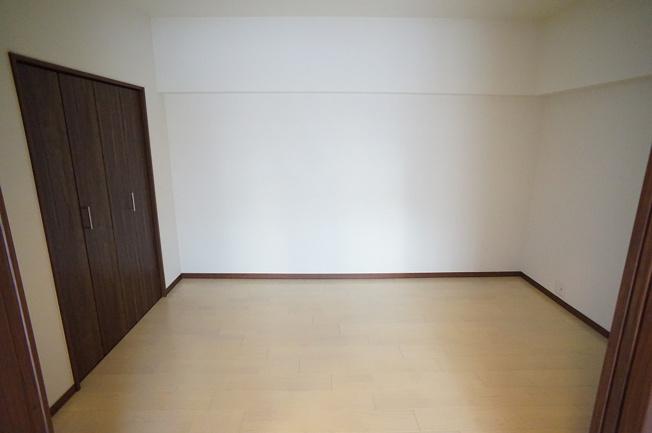 【洋室6帖】リビング横のお部屋です♪和室から洋室になりました☆