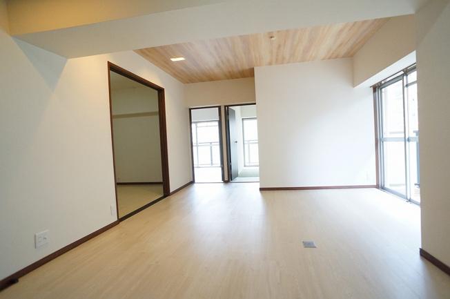 【LDK13帖】全室クロス貼替え、LDKフロアタイル張替え、一部建具新調、ハウスクリーニング済みです☆