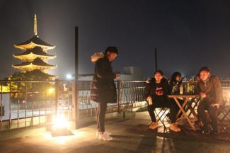屋上スペース無料開放しております。東寺のライトアップは絶景ですよ!