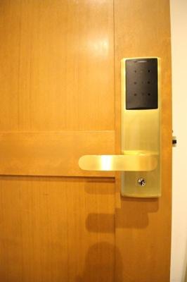 居室スペースにはオートロック完備で安心