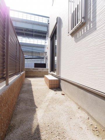 【庭】石丸2丁目新築戸建て