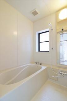 【浴室】53581 岐阜市久保見町中古戸建て