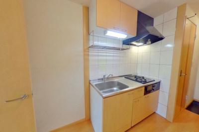 キッチン上部吊り戸棚