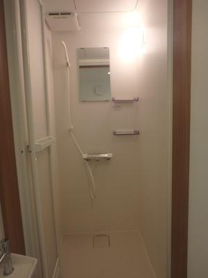 「シャワールーム」