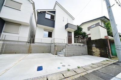 川島町エリア、2020年8月完成の新築戸建物件です。