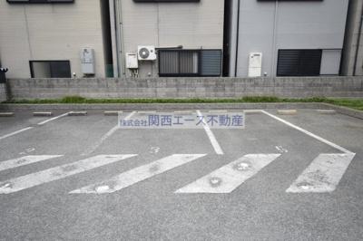 【駐車場】レオパレスジュネス