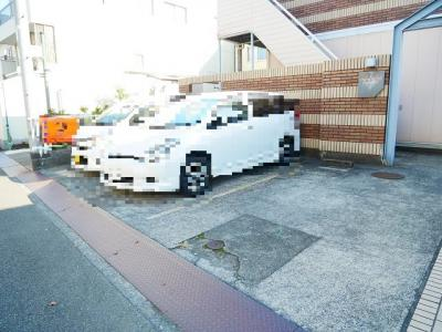 【駐車場】ルーブルハウス