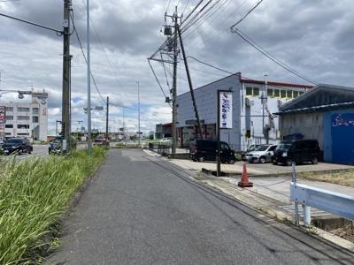 東側前面道路