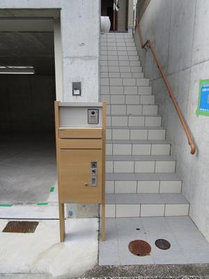 宅配ボックス付機能門柱