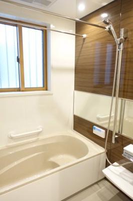 浴室乾燥機付人造大理石浴槽