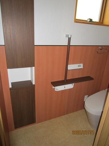 トイレと収納棚