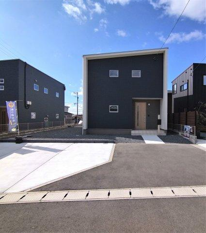 ■4LDK ■駐車場3台可能なスペースがあります。