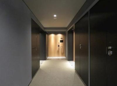 お部屋までの廊下です。内廊下仕様
