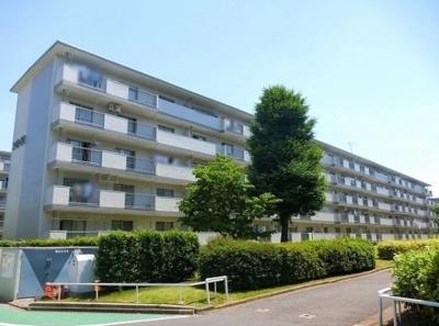 高島平第二住宅20号棟の外観です。