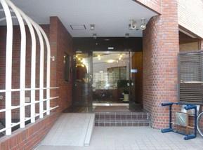 インペリアル赤坂壱番館のエントランスです。