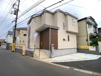 敷地約27.6坪で建物は延べ約25.7坪の3LDKです。